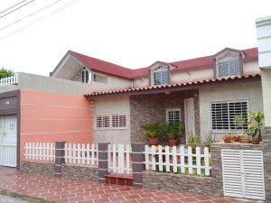Casa En Ventaen Maracaibo, Santa Fe, Venezuela, VE RAH: 20-463