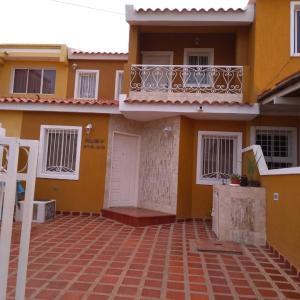 Townhouse En Ventaen Maracaibo, Santa Fe, Venezuela, VE RAH: 20-469