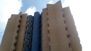 Apartamento En Ventaen Valencia, Campo Alegre, Venezuela, VE RAH: 19-20561