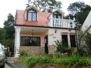 Casa En Ventaen Los Teques, Municipio Guaicaipuro, Venezuela, VE RAH: 20-495
