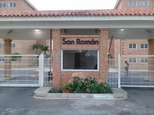 Apartamento En Ventaen Punto Fijo, Casacoima, Venezuela, VE RAH: 20-498