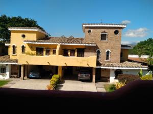 Casa En Ventaen Municipio Naguanagua, Manongo, Venezuela, VE RAH: 20-505