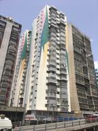 Apartamento En Ventaen Caracas, San Martin, Venezuela, VE RAH: 20-540