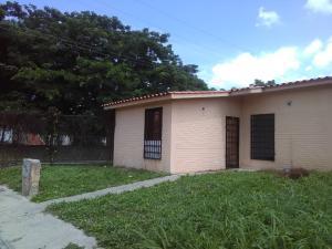 Casa En Ventaen San Joaquin, La Pradera, Venezuela, VE RAH: 20-541