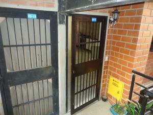 Apartamento En Ventaen Guarenas, Camino Real, Venezuela, VE RAH: 20-562