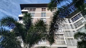 Apartamento En Ventaen Valencia, Terrazas Del Country, Venezuela, VE RAH: 20-584