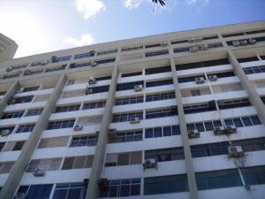 Apartamento En Ventaen Parroquia Caraballeda, Los Corales, Venezuela, VE RAH: 20-641