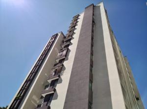 Apartamento En Ventaen Valencia, Kerdell, Venezuela, VE RAH: 20-714