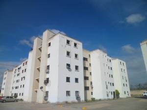 Apartamento En Ventaen Municipio Los Guayos, Paraparal, Venezuela, VE RAH: 20-655