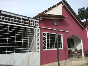 Casa En Ventaen Municipio San Diego, Pueblo De San Diego, Venezuela, VE RAH: 20-679