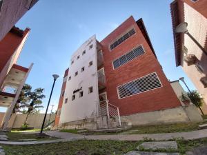 Apartamento En Ventaen Cabudare, Los Samanes, Venezuela, VE RAH: 20-717