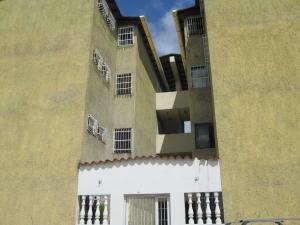 Apartamento En Ventaen Santa Cruz De Aragua, Laguna De Santa Cruz, Venezuela, VE RAH: 20-724