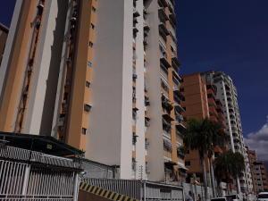Apartamento En Ventaen Maracay, Andres Bello, Venezuela, VE RAH: 20-729