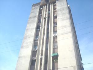 Apartamento En Ventaen Valencia, Camoruco, Venezuela, VE RAH: 20-837