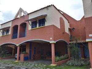 Townhouse En Ventaen Municipio Naguanagua, Manantial, Venezuela, VE RAH: 20-879