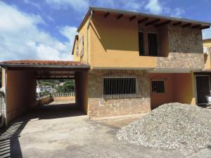 Casa En Ventaen Los Teques, Valle Alto, Venezuela, VE RAH: 20-6047