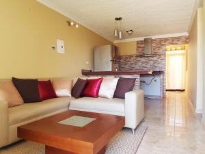 Apartamento En Ventaen Coro, Sector Sur La Paz, Venezuela, VE RAH: 20-918