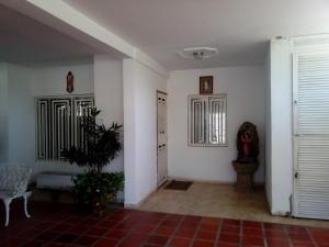 Townhouse En Alquileren Ciudad Ojeda, Rio Blanco, Venezuela, VE RAH: 20-937
