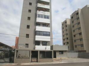 Apartamento En Alquileren Maracaibo, Avenida Bella Vista, Venezuela, VE RAH: 20-968