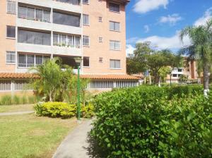 Apartamento En Ventaen Guatire, Sector San Pedro, Venezuela, VE RAH: 20-1282
