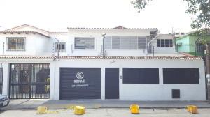 Casa En Ventaen Caracas, Bello Monte, Venezuela, VE RAH: 20-1059