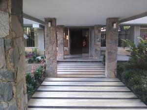 Apartamento En Alquileren Caracas, Los Palos Grandes, Venezuela, VE RAH: 20-1896