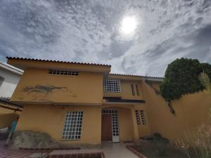 Casa En Ventaen Barquisimeto, Parroquia Santa Rosa, Venezuela, VE RAH: 20-1054
