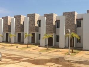 Townhouse En Ventaen Maracaibo, Circunvalacion Uno, Venezuela, VE RAH: 20-1087