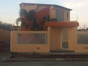 Casa En Ventaen Higuerote, Puerto Encantado, Venezuela, VE RAH: 20-1131
