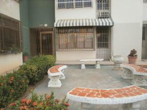 Apartamento En Alquileren Maracaibo, El Varillal, Venezuela, VE RAH: 20-1208