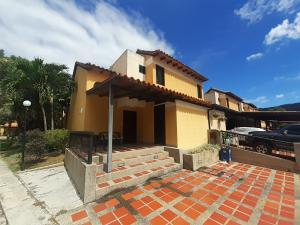 Townhouse En Ventaen Municipio Naguanagua, Tazajal, Venezuela, VE RAH: 20-1265