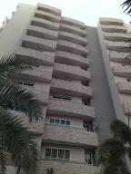 Apartamento En Ventaen Maracaibo, Avenida Milagro Norte, Venezuela, VE RAH: 20-1373