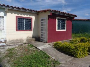Casa En Ventaen Acarigua, Centro, Venezuela, VE RAH: 20-1394