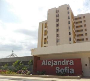 Apartamento En Alquileren Maracaibo, Avenida Goajira, Venezuela, VE RAH: 20-1413