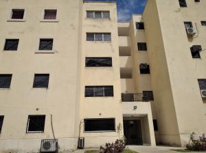 Apartamento En Ventaen Municipio Los Guayos, Paraparal, Venezuela, VE RAH: 20-1442