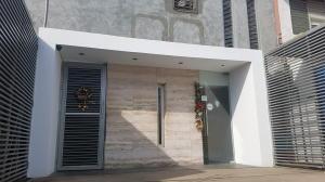 Local Comercial En Ventaen Municipio San Francisco, San Francisco, Venezuela, VE RAH: 20-3116