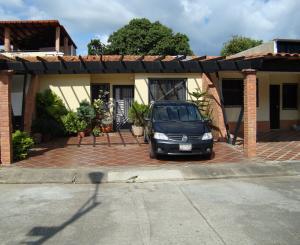 Casa En Ventaen Municipio San Diego, Monte Carmelo, Venezuela, VE RAH: 20-1457