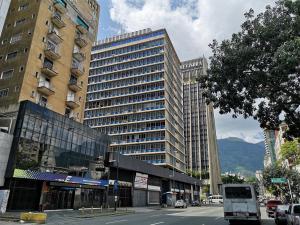 Oficina En Ventaen Caracas, Sabana Grande, Venezuela, VE RAH: 20-1488