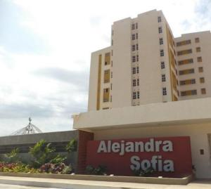 Apartamento En Ventaen Maracaibo, Avenida Goajira, Venezuela, VE RAH: 20-1513