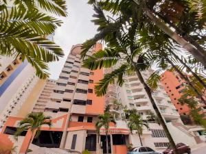 Apartamento En Ventaen Valencia, La Trigaleña, Venezuela, VE RAH: 20-1530