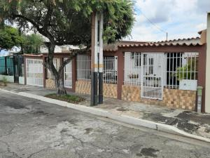 Casa En Ventaen Municipio San Diego, La Esmeralda, Venezuela, VE RAH: 20-1534