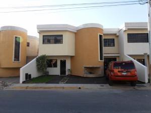 Townhouse En Ventaen Turmero, Conjunto Residencial Las Carolinas Ii, Venezuela, VE RAH: 20-1549
