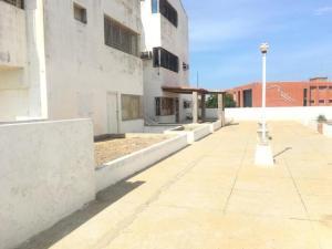 Apartamento En Ventaen Punto Fijo, Casacoima, Venezuela, VE RAH: 20-1607