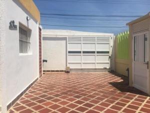Casa En Ventaen Punto Fijo, Puerta Maraven, Venezuela, VE RAH: 20-1652
