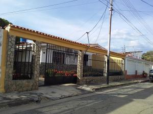 Casa En Ventaen Cagua, Fundacagua, Venezuela, VE RAH: 20-1675
