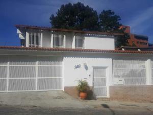 Casa En Ventaen Caracas, Los Naranjos Del Cafetal, Venezuela, VE RAH: 20-3682