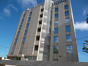 Apartamento En Ventaen Parroquia Caraballeda, Caribe, Venezuela, VE RAH: 20-367