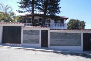 Casa En Ventaen Barquisimeto, Colinas De Santa Rosa, Venezuela, VE RAH: 20-1808