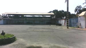 Galpon - Deposito En Ventaen Ciudad Ojeda, Zona Industrial, Venezuela, VE RAH: 20-1850