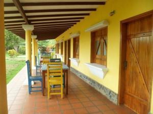Casa En Ventaen Pueblo Nuevo, Pueblo Nuevo, Venezuela, VE RAH: 20-1906